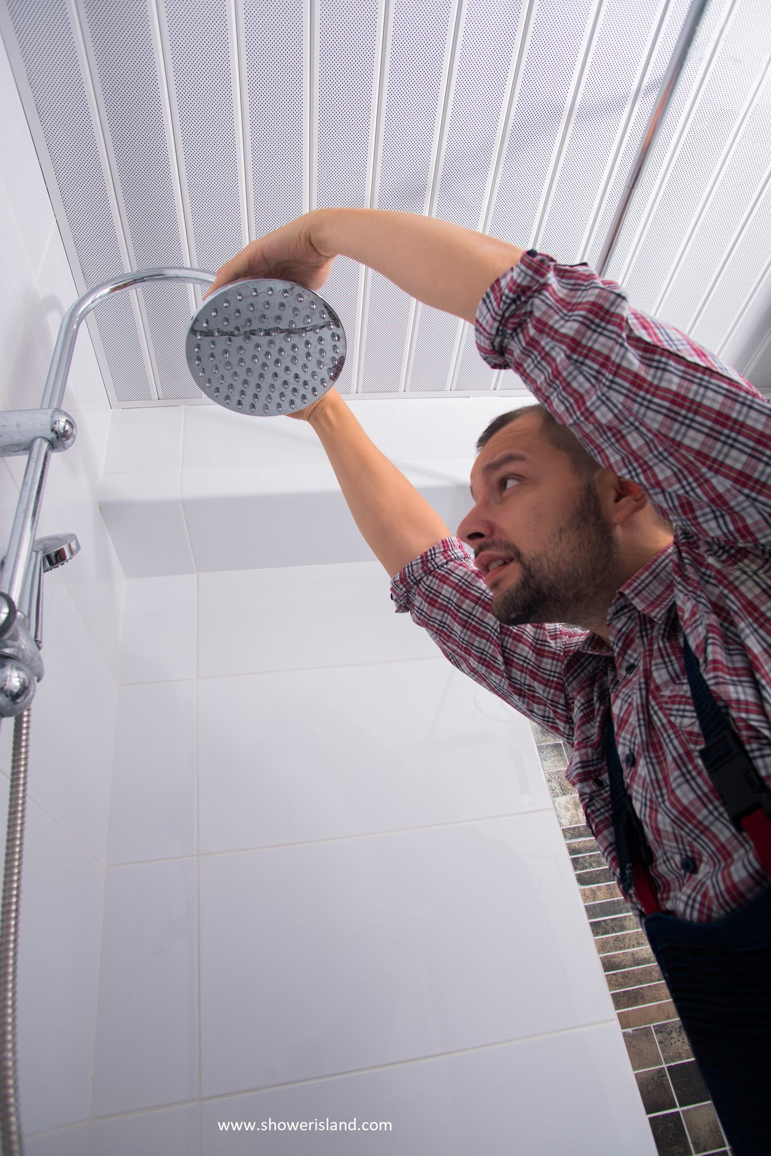 How to Remove a Shower Head the Right Way